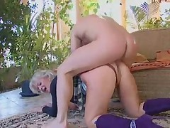 Blonde granny boned by a stud