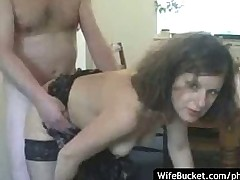MILF wife gives a great blowjob