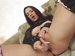 She toys herself to squirt