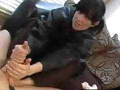 Housewife Footjob