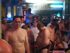 Sperma Party 4 - Abmelken im Akkord