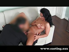 Glamour girl sucks huge cock