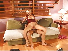 Blond bitch opens both holes