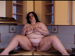 Super Hot Plump Fat BBW Masturbates In The Kitchen