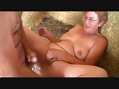 Amateur oma sex outdoor R20