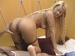 Blonde brazilian gets her soles creamed